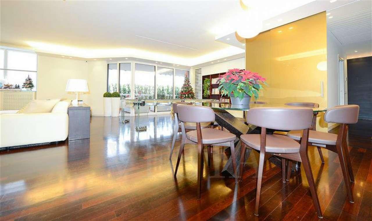 Appartamento in vendita a Milano, 8 locali, zona Zona: 14 . Lotto, Novara, San Siro, QT8 , Montestella, Rembrandt, prezzo € 1.900.000   Cambio Casa.it
