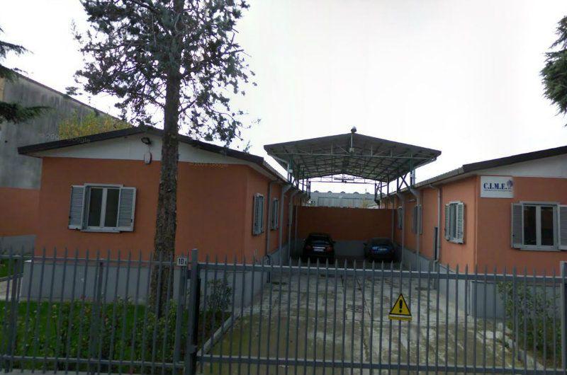 Capannone in vendita a Pero, 9999 locali, Trattative riservate | Cambio Casa.it