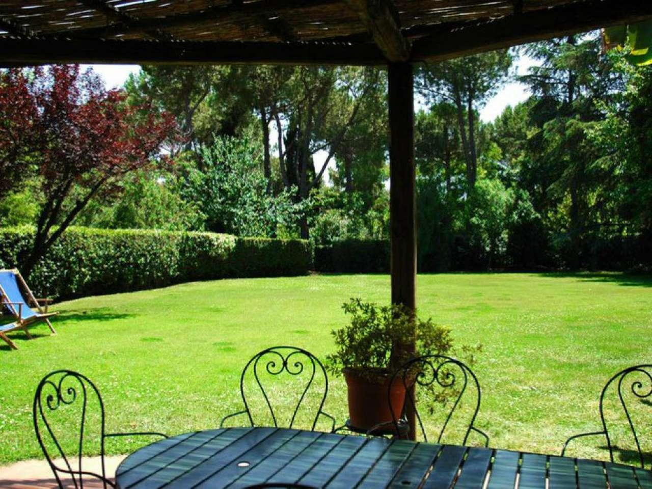 Villa in affitto a Roma, 9 locali, zona Zona: 15 . Appio Latino, Appia Antica, Furio Camillo, Alberone, prezzo € 3.500   Cambio Casa.it