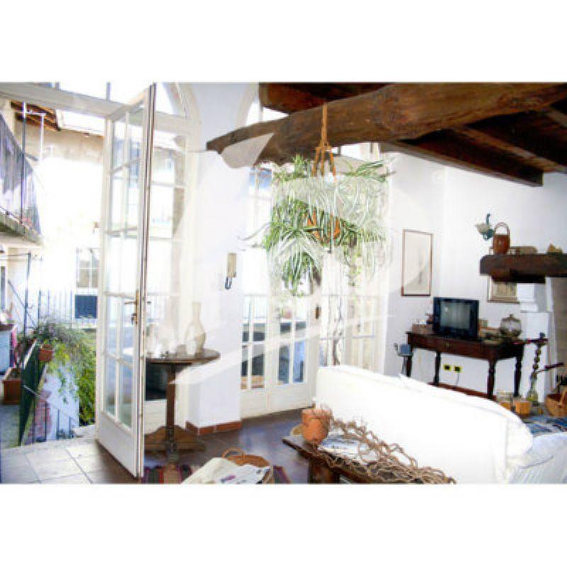 Rustico / Casale in vendita a Orino, 10 locali, prezzo € 420.000   CambioCasa.it