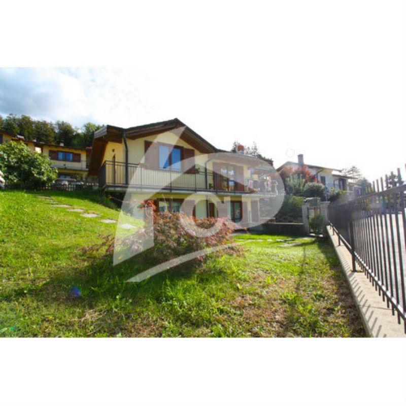 Villa in vendita a Gemonio, 5 locali, prezzo € 305.000 | Cambio Casa.it