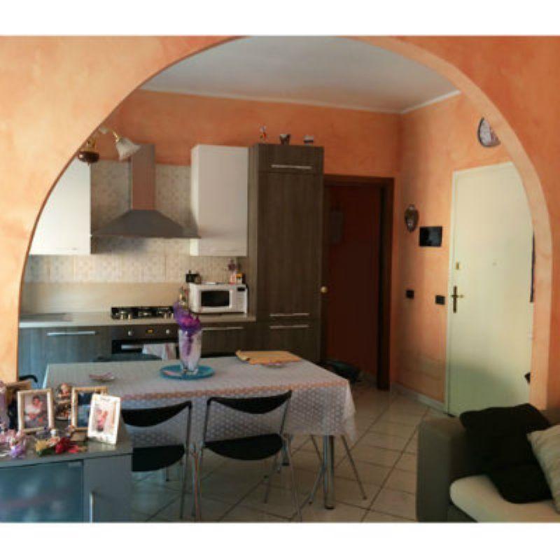 Appartamento in vendita a Laveno-Mombello, 3 locali, prezzo € 165.000 | Cambio Casa.it