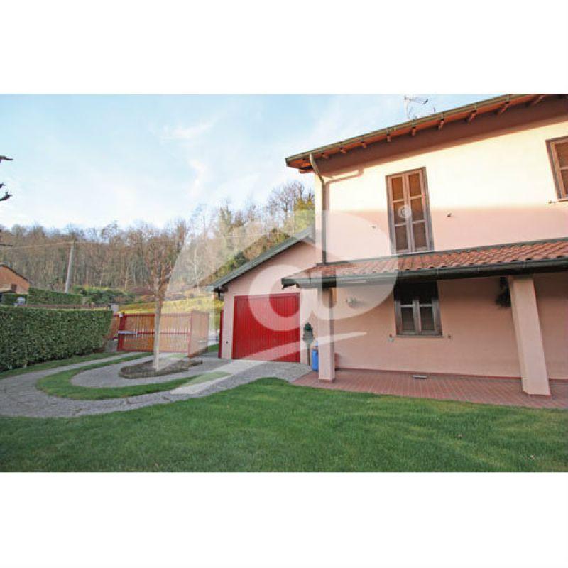 Villa in vendita a Leggiuno, 3 locali, prezzo € 240.000 | Cambio Casa.it