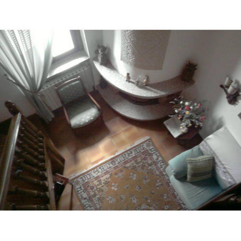 Appartamento in vendita a Laveno-Mombello, 4 locali, prezzo € 115.000 | Cambio Casa.it