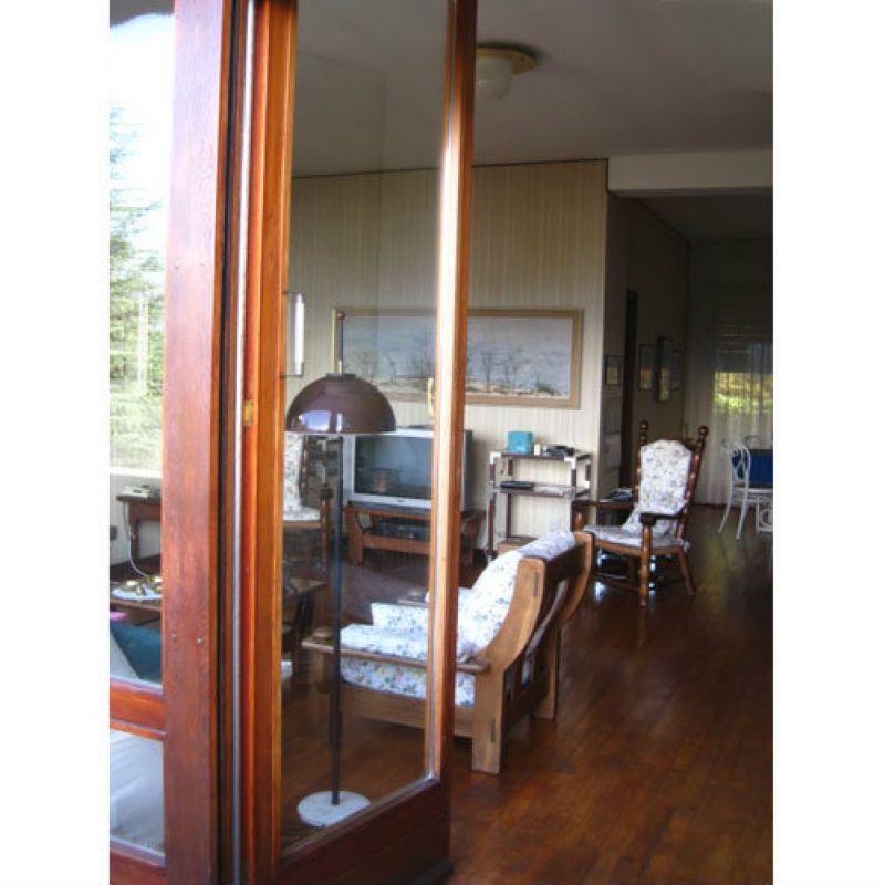 Villa in vendita a Laveno-Mombello, 5 locali, prezzo € 350.000 | Cambio Casa.it