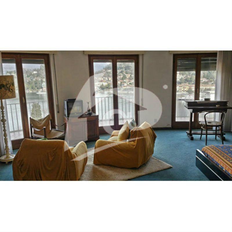 Villa in vendita a Laveno-Mombello, 6 locali, prezzo € 850.000 | CambioCasa.it