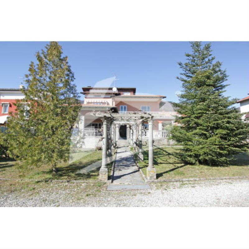 Villa in vendita a Brenta, 7 locali, prezzo € 325.000 | Cambio Casa.it