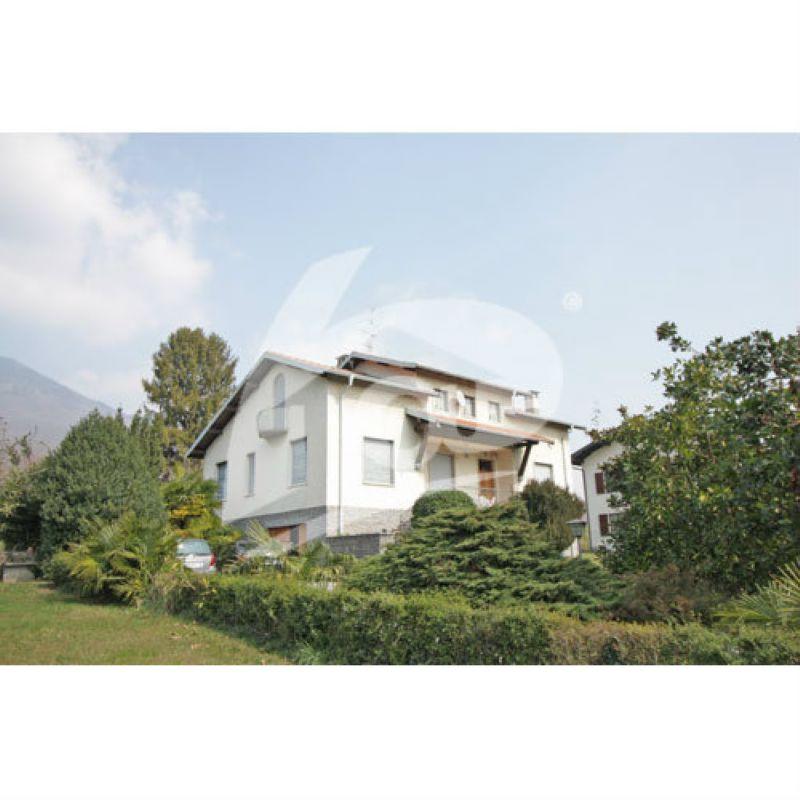 Villa in vendita a Cittiglio, 5 locali, prezzo € 450.000 | Cambio Casa.it