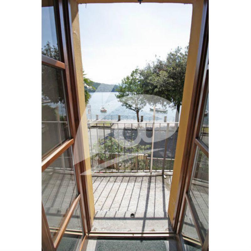 Appartamento in vendita a Laveno-Mombello, 3 locali, prezzo € 230.000 | Cambio Casa.it