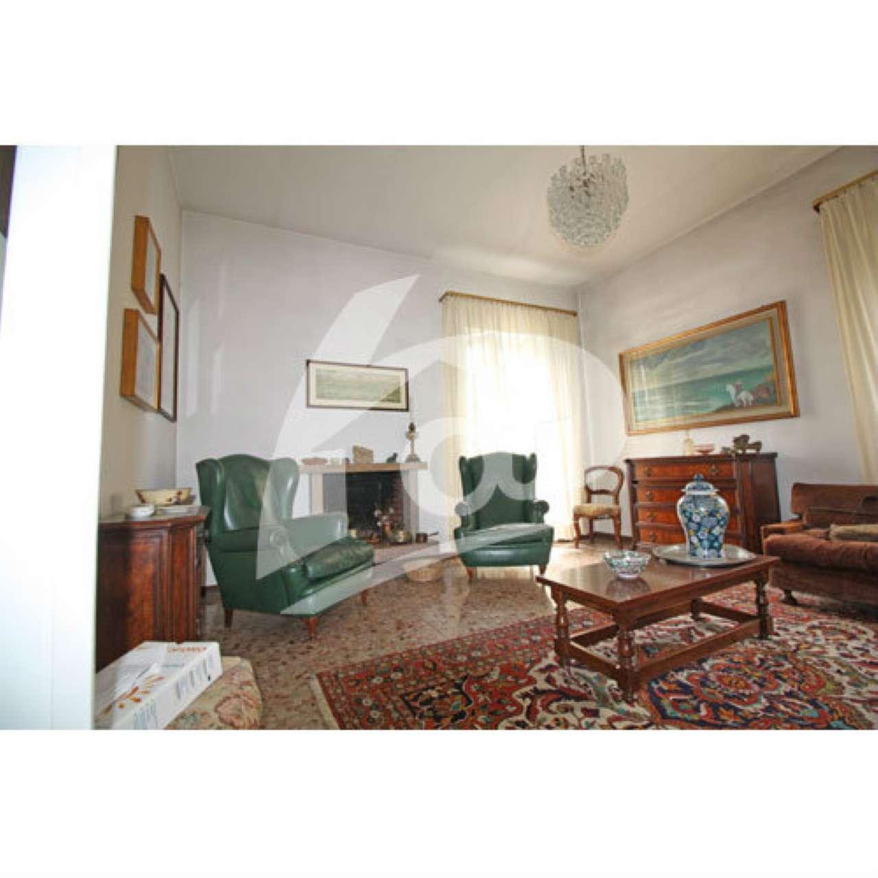 Villa in Vendita a Sangiano