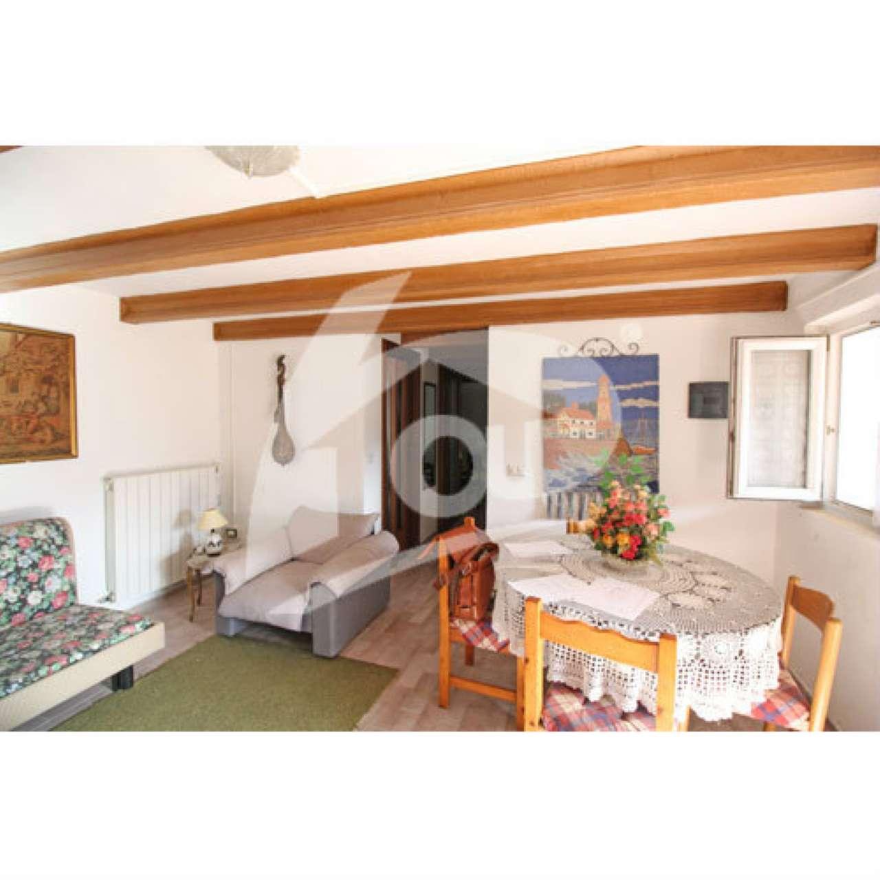 Appartamento in vendita a Casalzuigno, 2 locali, prezzo € 50.000 | Cambio Casa.it
