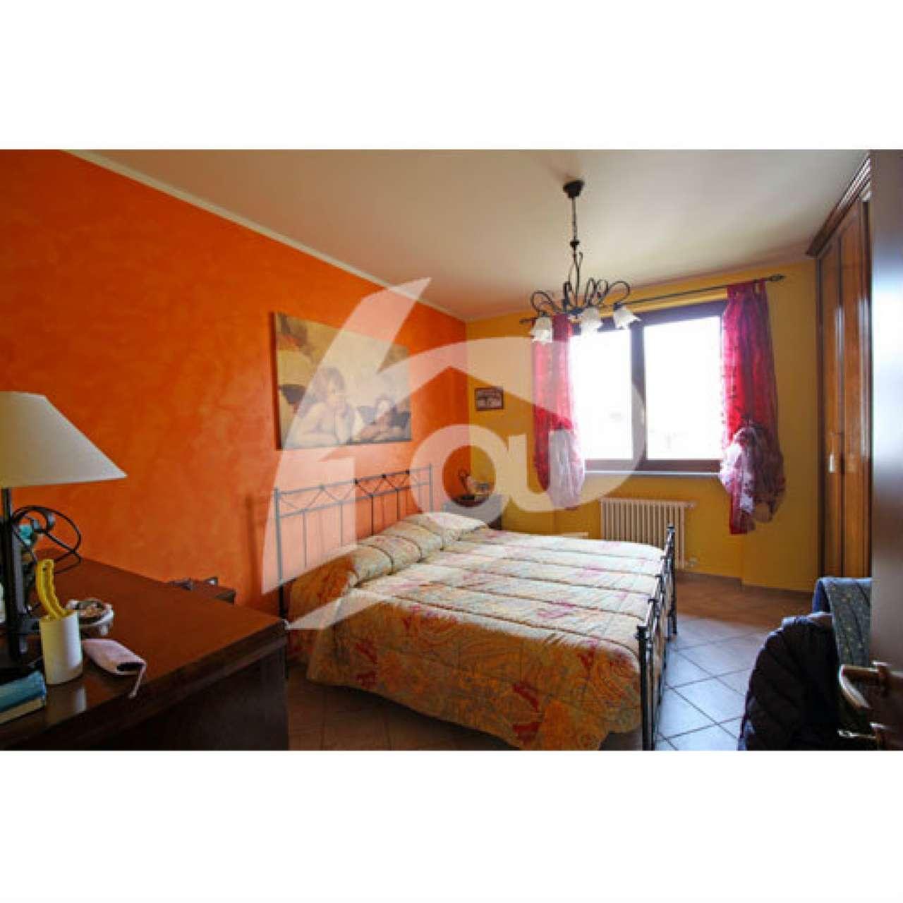 Villa in vendita a Leggiuno, 4 locali, prezzo € 310.000 | Cambio Casa.it