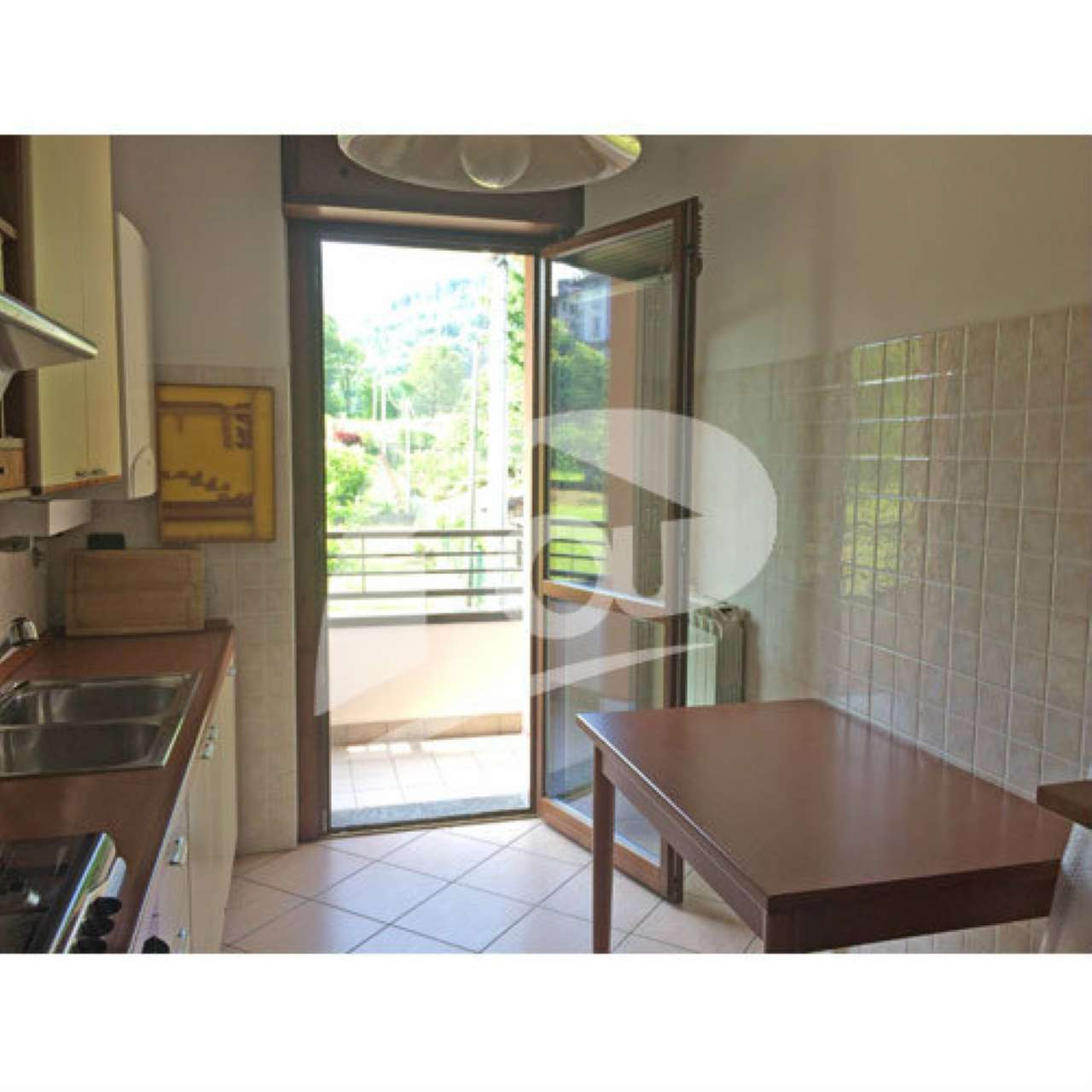 Appartamento in affitto a Cittiglio, 2 locali, prezzo € 500 | CambioCasa.it