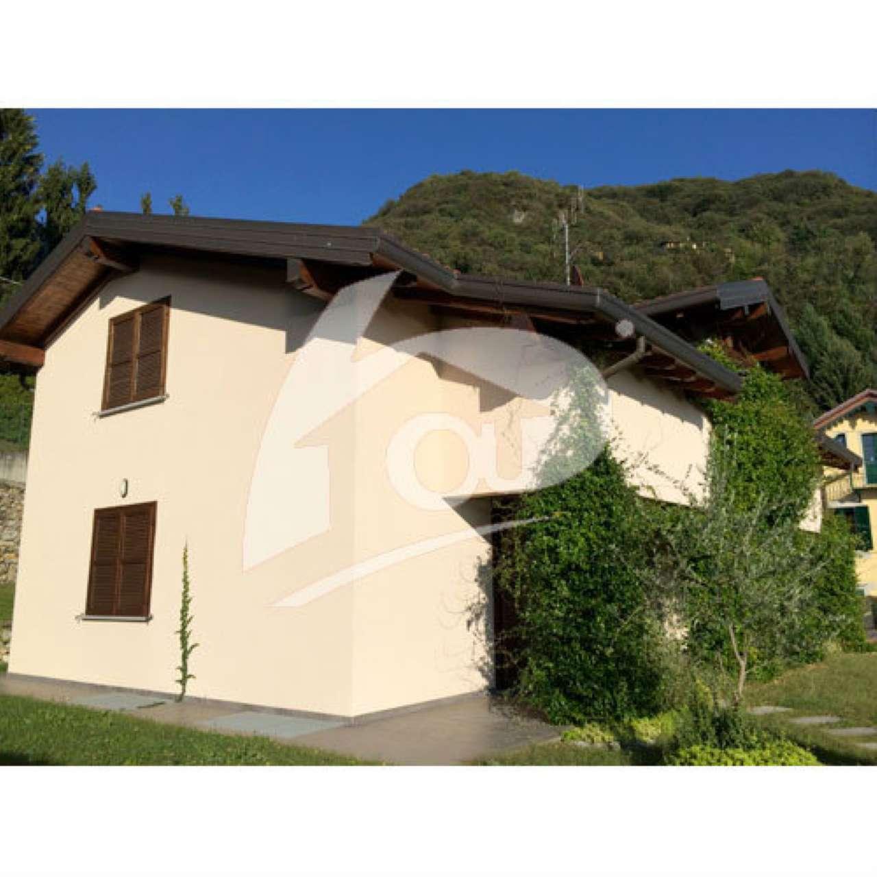 Villa in vendita a Laveno-Mombello, 5 locali, Trattative riservate | CambioCasa.it