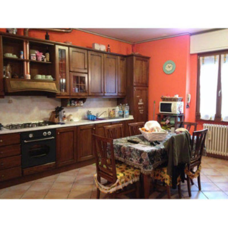 Appartamento in vendita a Gemonio, 3 locali, prezzo € 130.000 | Cambio Casa.it