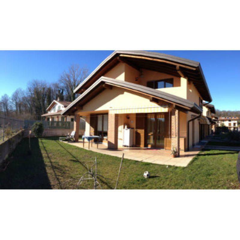 Villa Bifamiliare in vendita a Leggiuno, 5 locali, prezzo € 250.000 | Cambio Casa.it