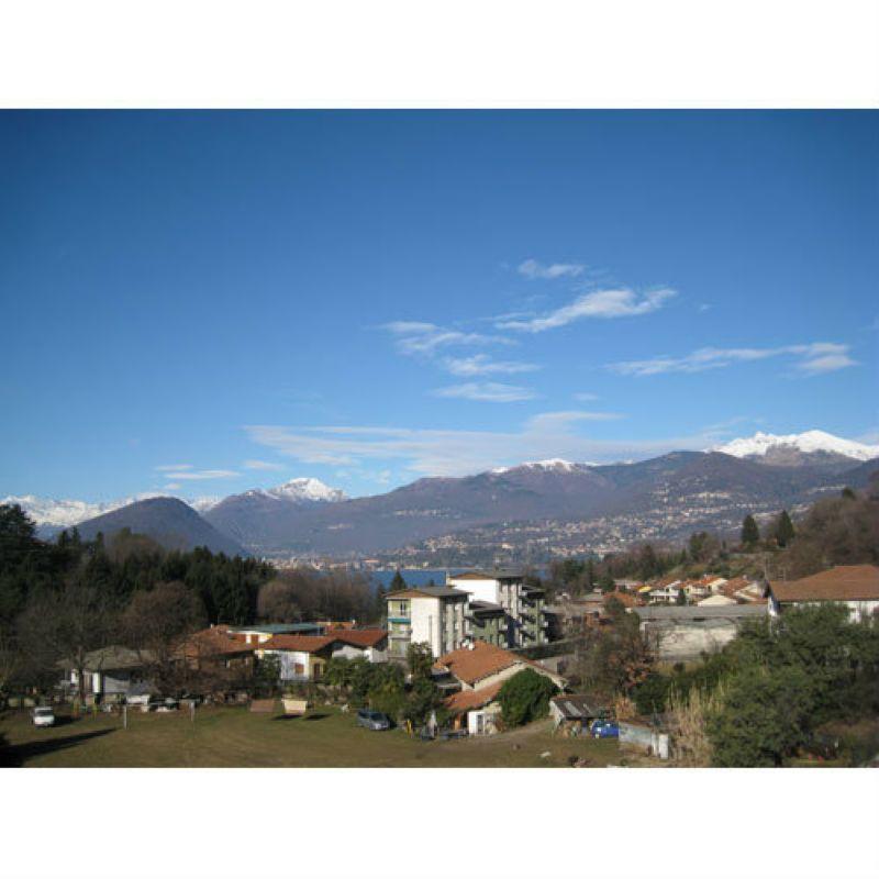 Appartamento in vendita a Laveno-Mombello, 2 locali, prezzo € 115.000   Cambio Casa.it