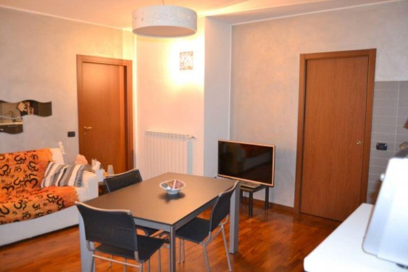 Appartamento in vendita a Rescaldina, 3 locali, prezzo € 147.000 | Cambio Casa.it