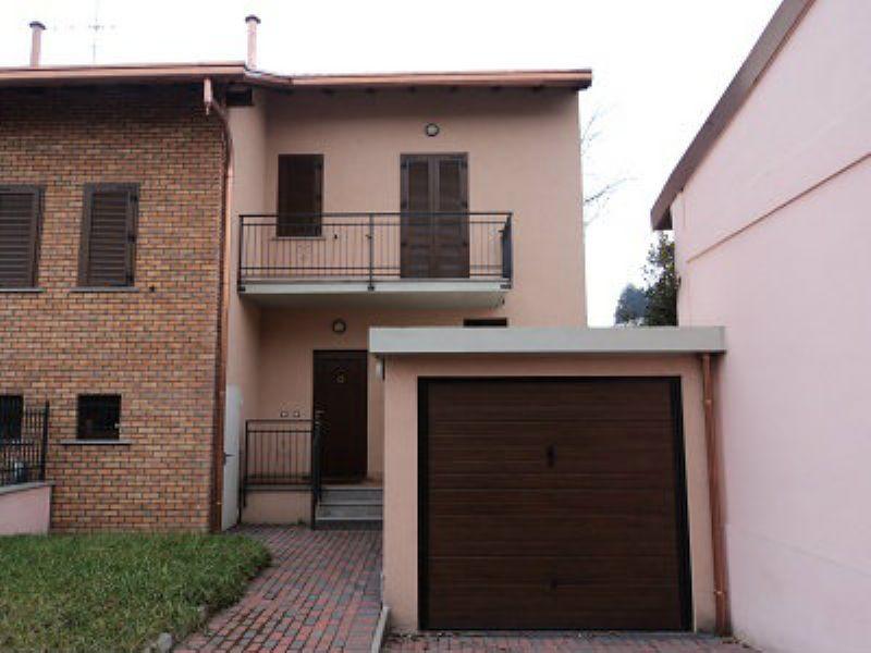 Palazzo / Stabile in vendita a Olgiate Olona, 3 locali, prezzo € 185.000   Cambio Casa.it