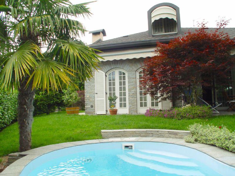 Villa in vendita a Cassano Magnago, 6 locali, prezzo € 575.000 | Cambio Casa.it