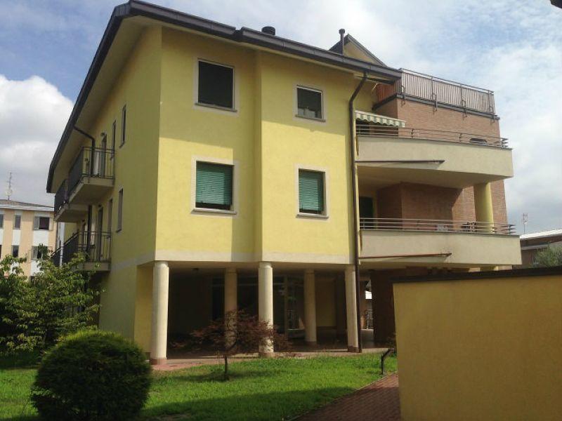 Attico / Mansarda in vendita a Busto Arsizio, 8 locali, prezzo € 520.000 | Cambio Casa.it
