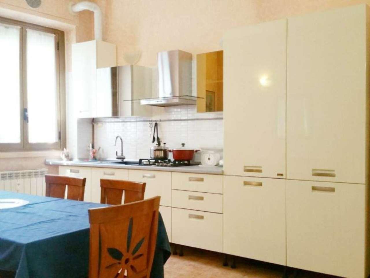 Bilocale Milano Via Maffucci 1