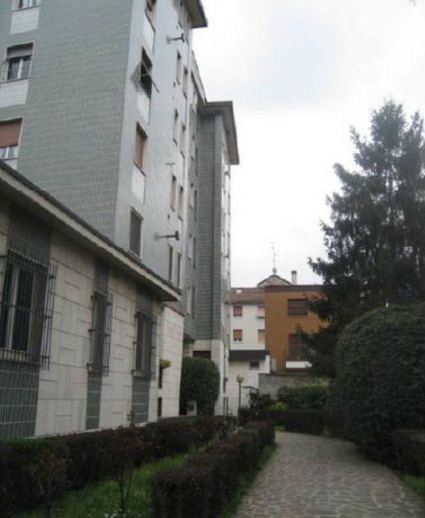 Bilocale Milano Via Baldinucci 7