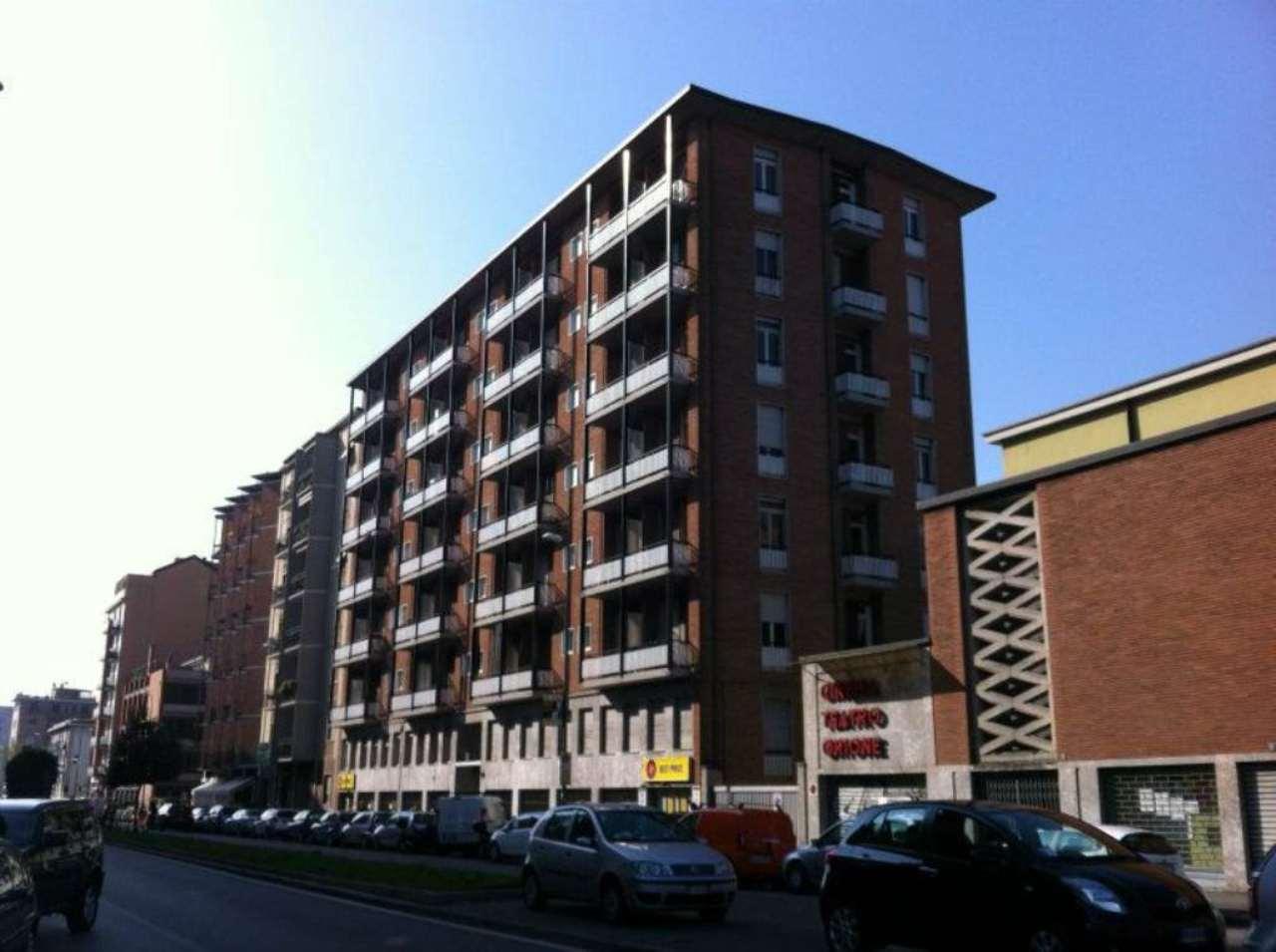 Bilocale Milano Via Fezzan 1