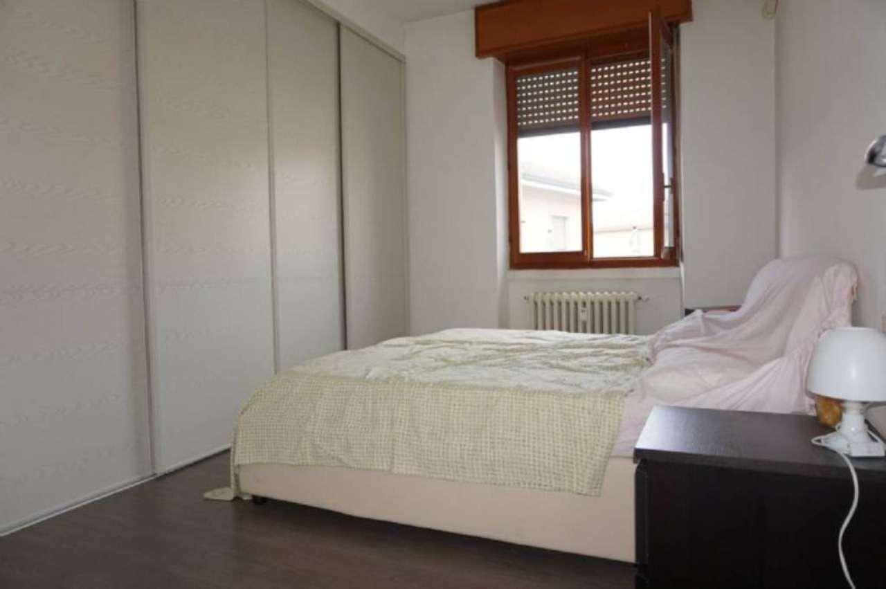 Bilocale Milano Via Bartolomeo Cabella 11