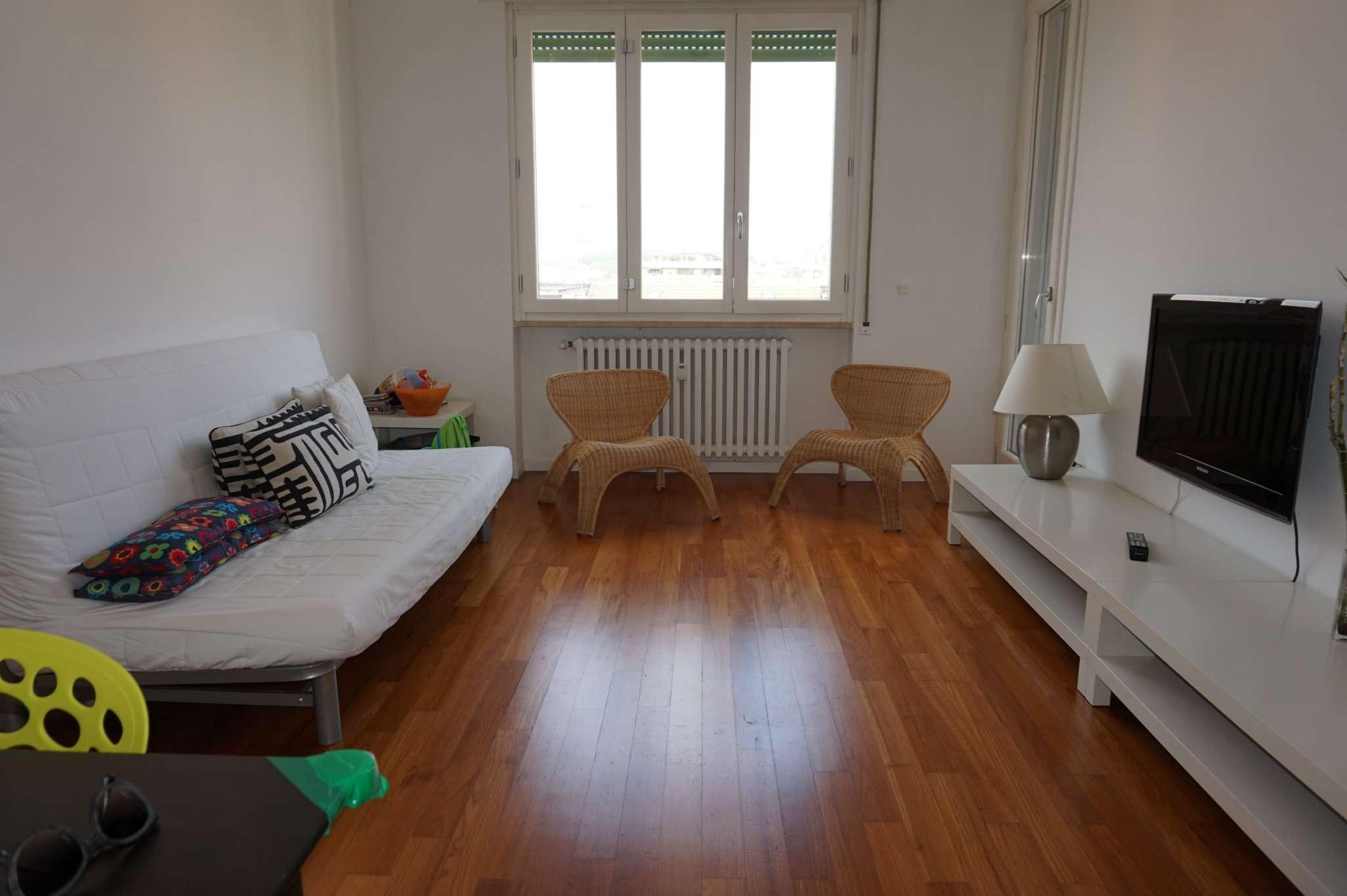 Bilocale Milano Via Piero Martinetti 5