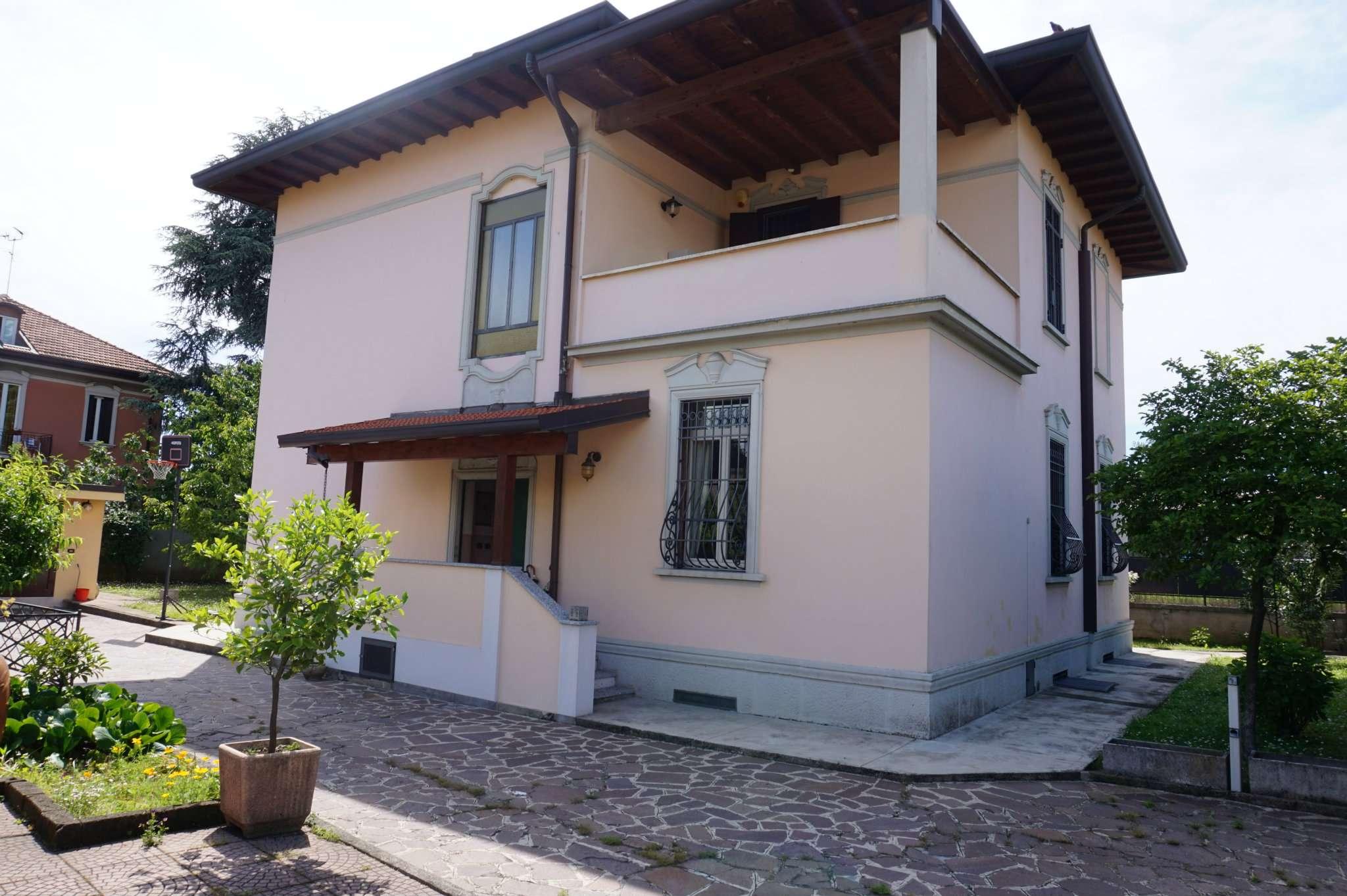 Villa in vendita a Monza, 6 locali, zona Zona: 6 . Triante, San Fruttuoso, Taccona, prezzo € 1.290.000 | CambioCasa.it