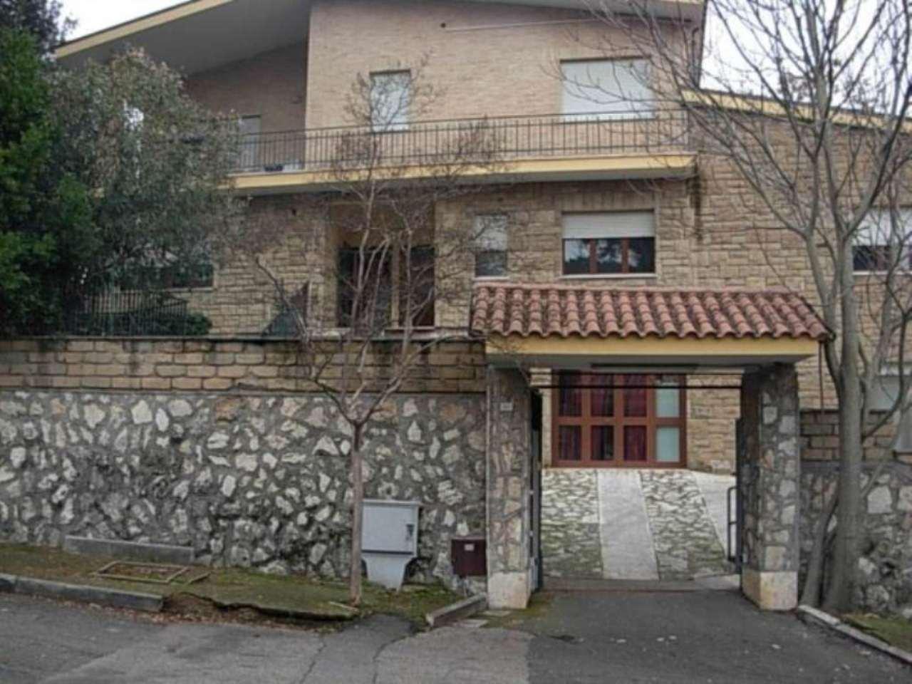 Palazzo / Stabile in Vendita a Tivoli