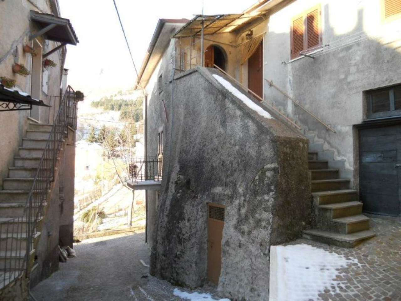 Bilocale Collegiove Via Luigi Manzocchi 2