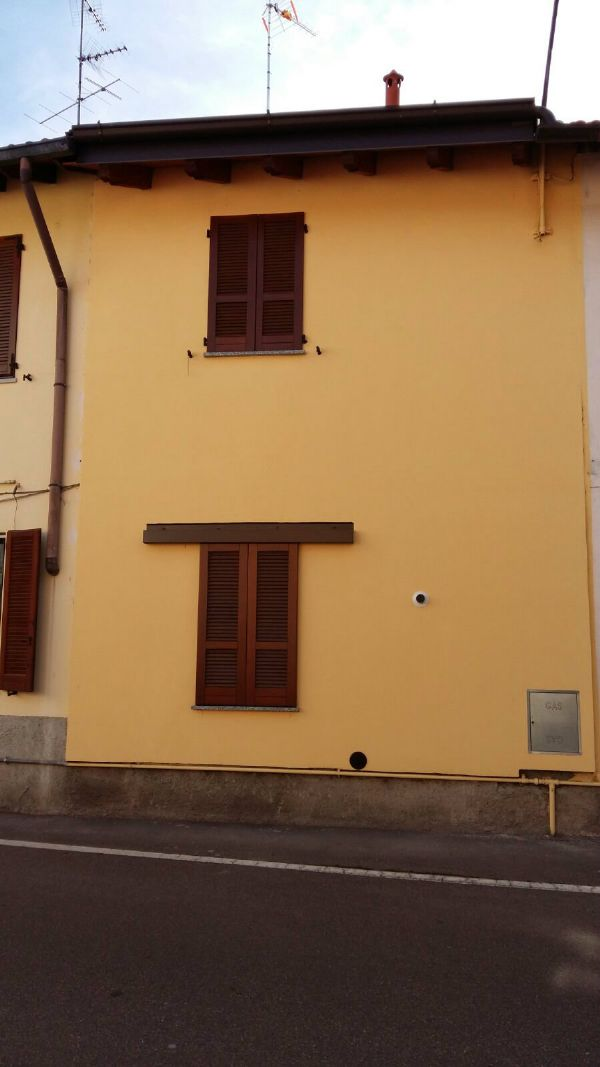 Bilocale Caronno Pertusella Via Santa Margherita 10