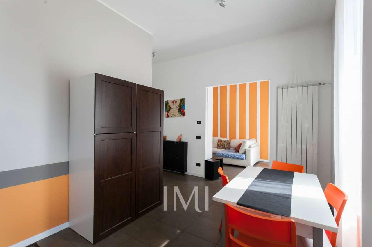 Appartamento in vendita 3 vani 78 mq.  via Pavia Milano
