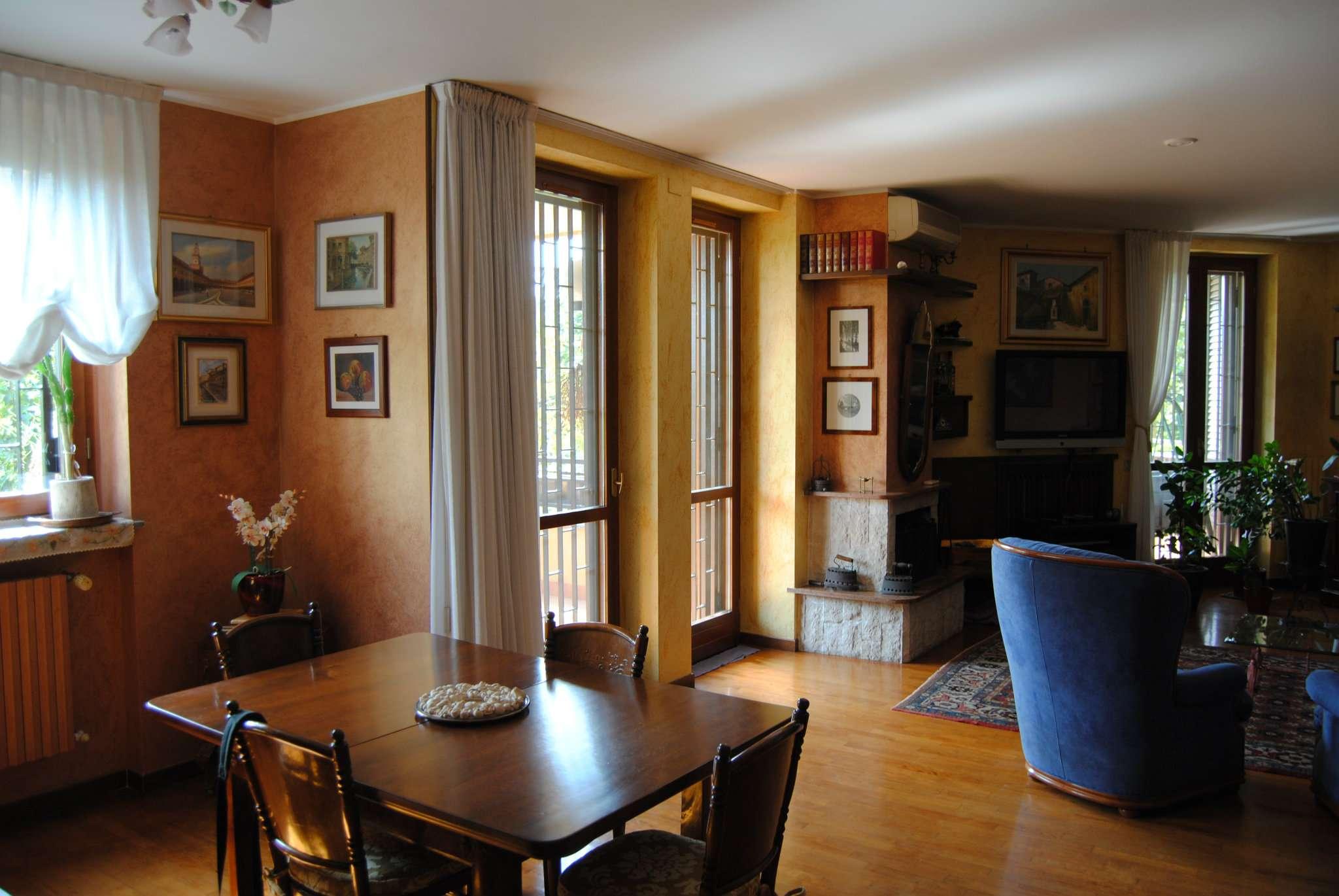Appartamento in vendita a Peschiera Borromeo, 5 locali, Trattative riservate | CambioCasa.it