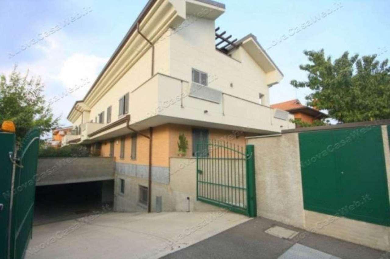 Appartamento in vendita a Arese, 6 locali, prezzo € 660.000   CambioCasa.it