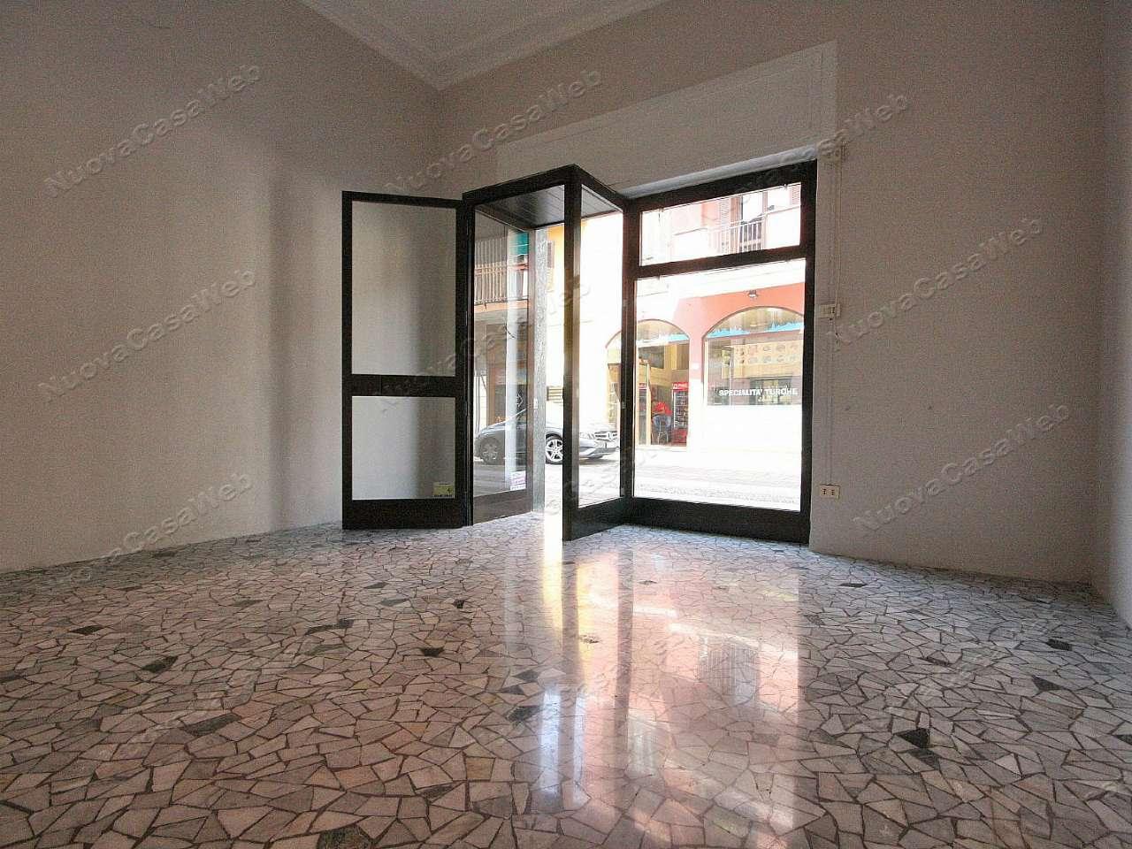 Negozio / Locale in vendita a Arese, 2 locali, prezzo € 650 | Cambio Casa.it