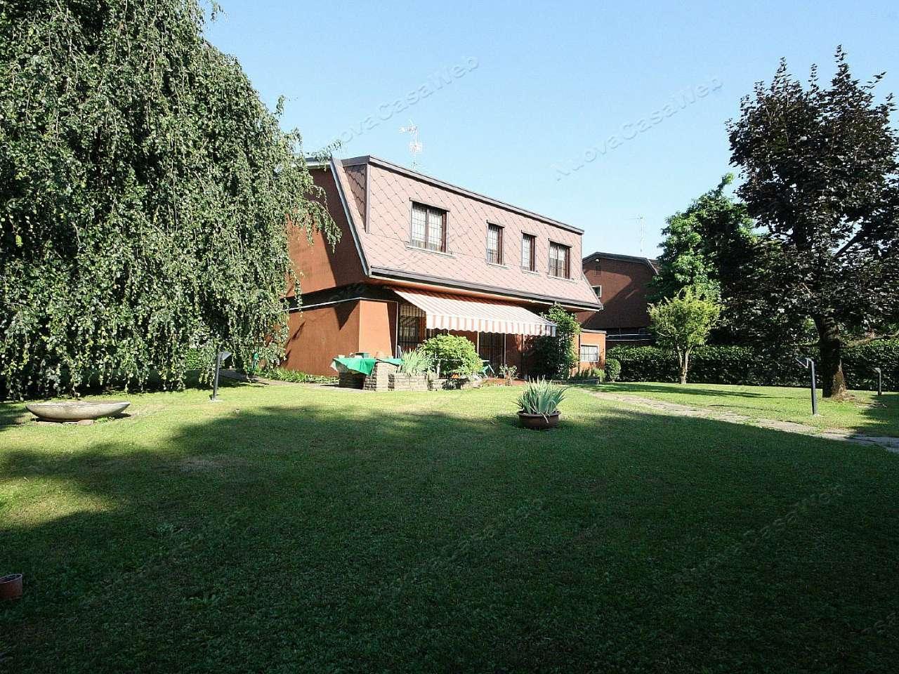 Villa in vendita a Arese, 6 locali, prezzo € 670.000 | CambioCasa.it