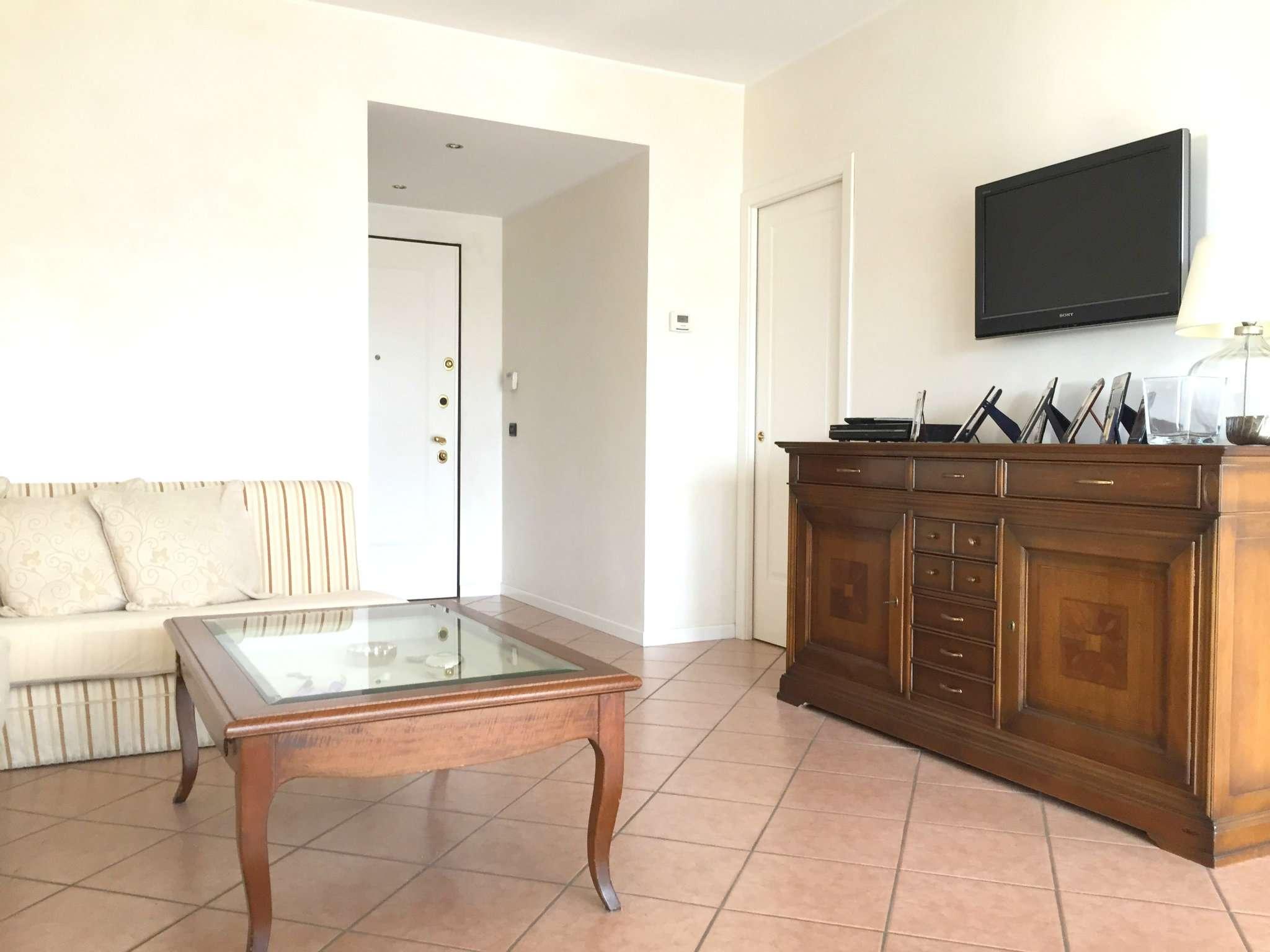 Appartamento in vendita a Agrate Brianza, 3 locali, prezzo € 220.000 | CambioCasa.it