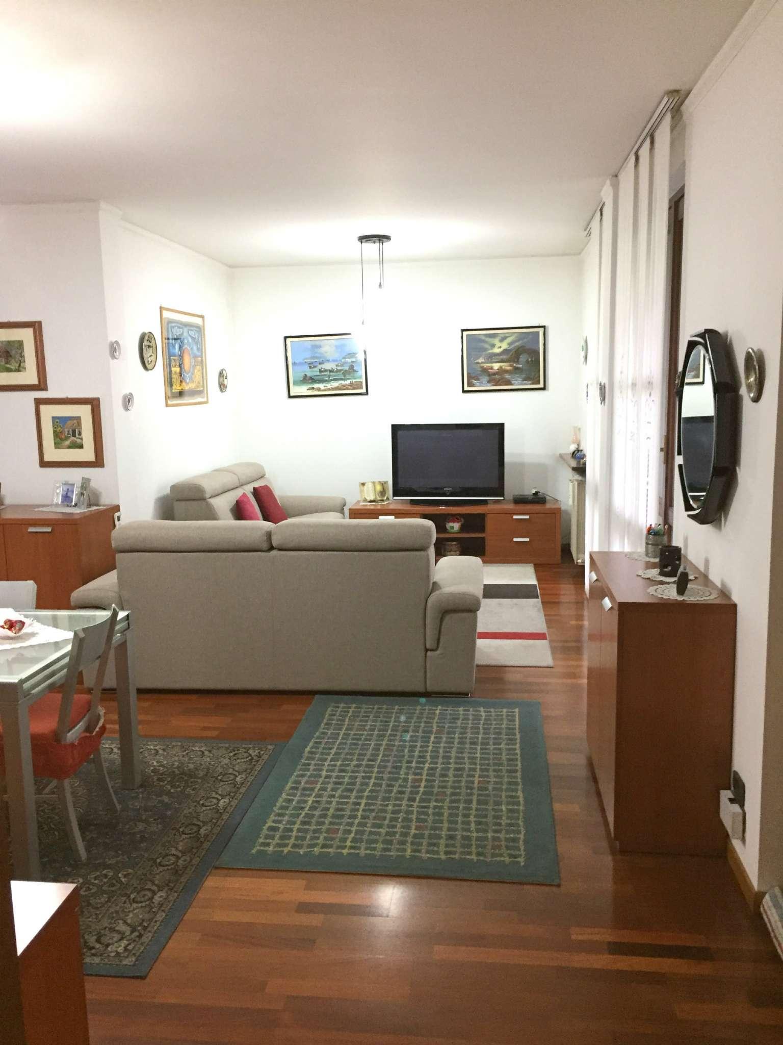 Villa in vendita a Pessano con Bornago, 4 locali, prezzo € 360.000 | CambioCasa.it