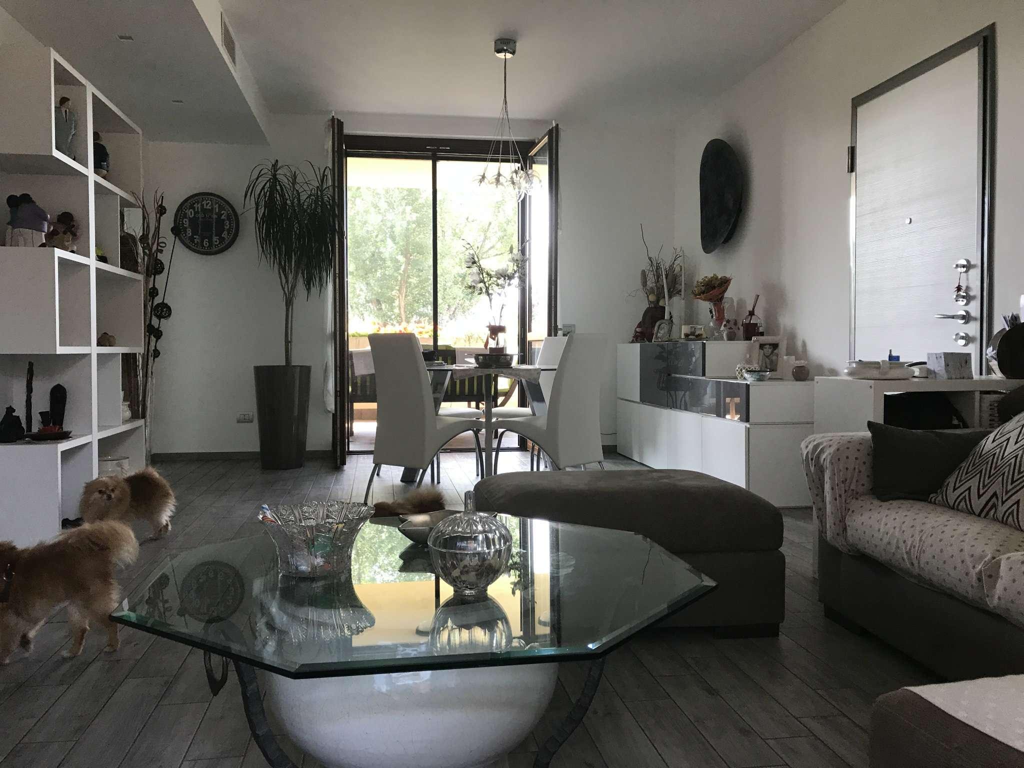 Appartamento in vendita a Carugate, 4 locali, prezzo € 385.000 | CambioCasa.it