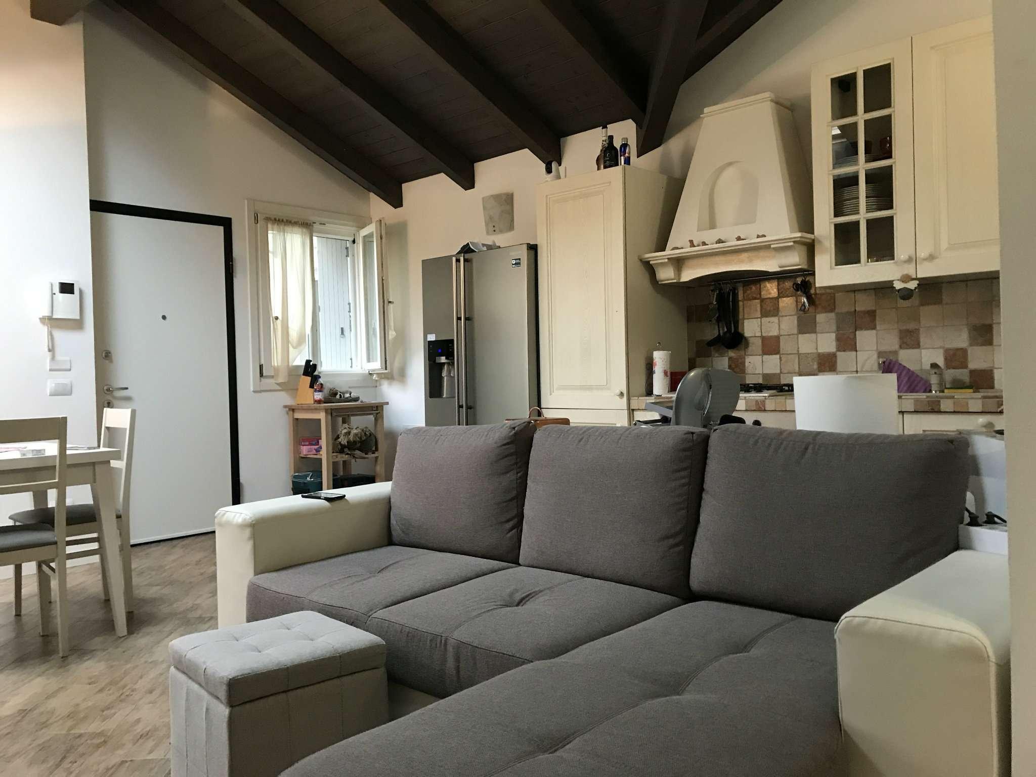 Appartamento in vendita a Gessate, 3 locali, prezzo € 210.000 | CambioCasa.it