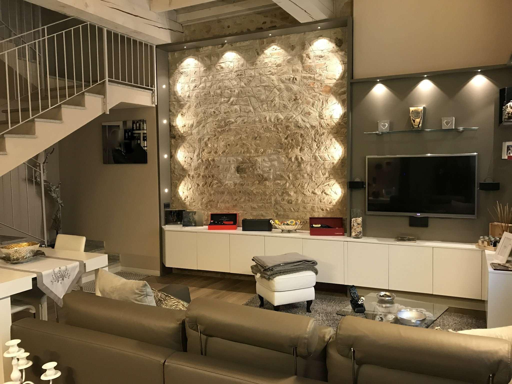 Appartamento in vendita a Bellusco, 3 locali, prezzo € 210.000 | CambioCasa.it