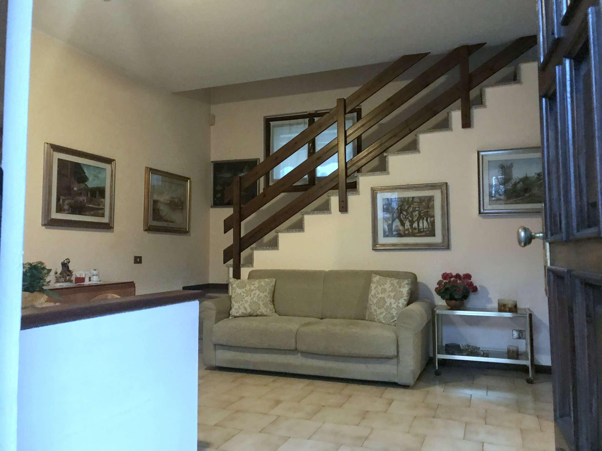 Villa a Schiera in vendita a Cassina de' Pecchi, 4 locali, prezzo € 275.000 | CambioCasa.it