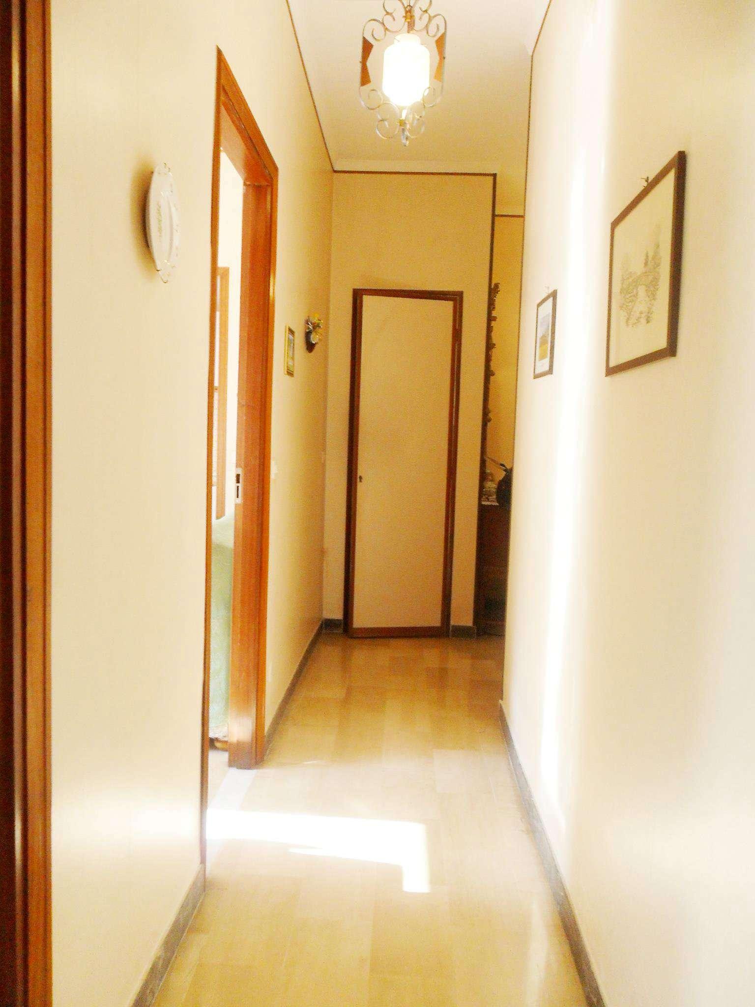 Bilocale Borghetto Santo Spirito Via Milano 8