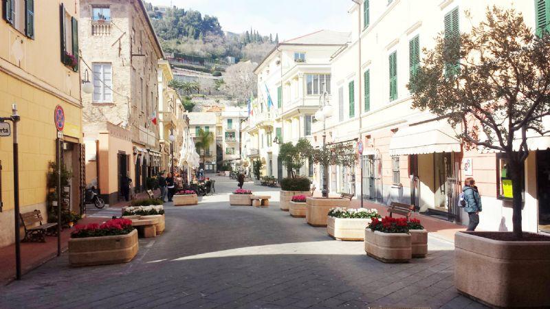 Bilocale Pietra Ligure Via Privata Canneva 4