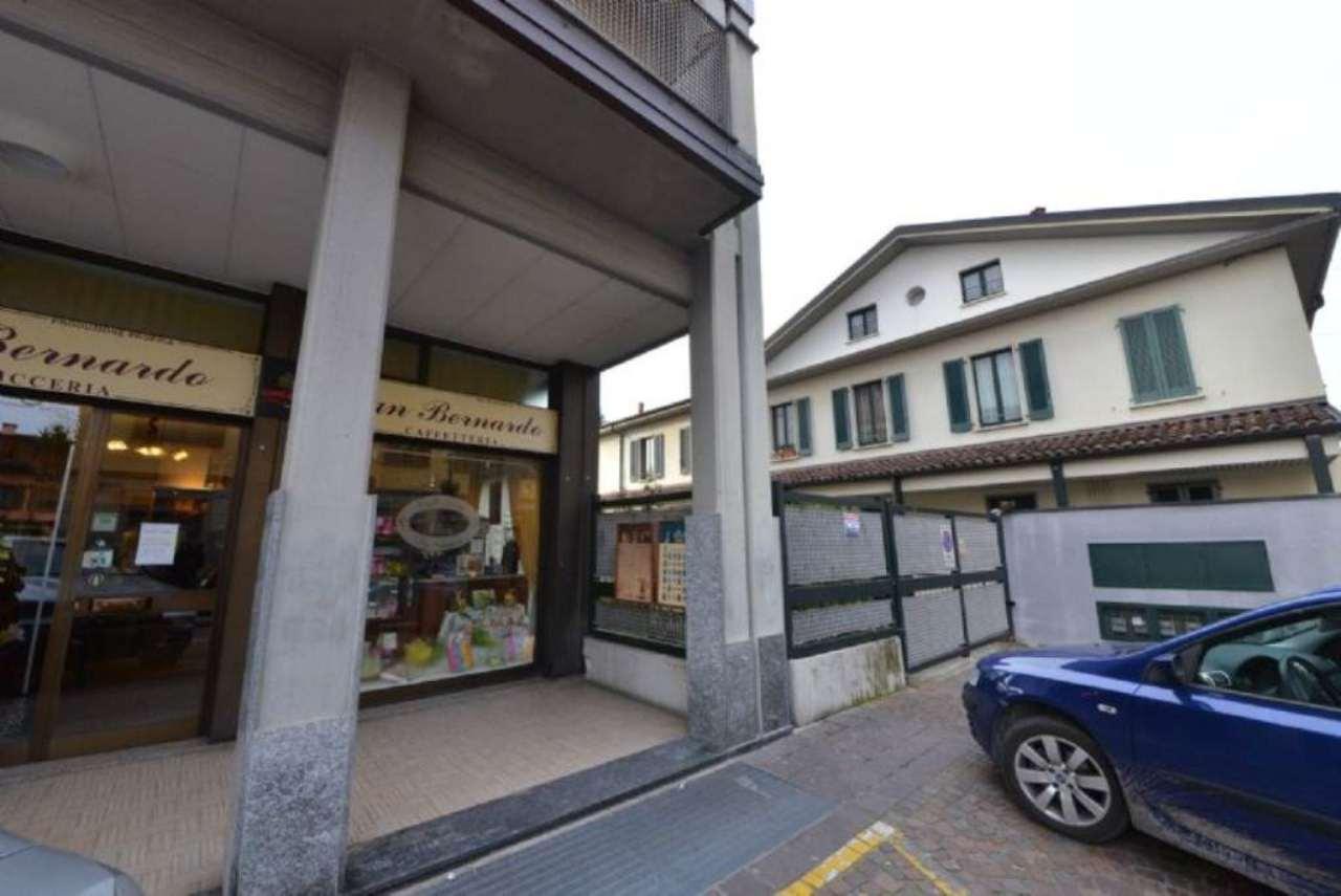 Magazzino in affitto a Bollate, 9999 locali, prezzo € 500 | Cambio Casa.it