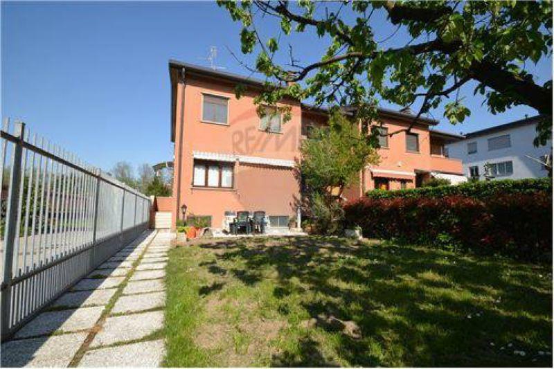 Villa in vendita a Bollate, 4 locali, prezzo € 365.000   Cambio Casa.it