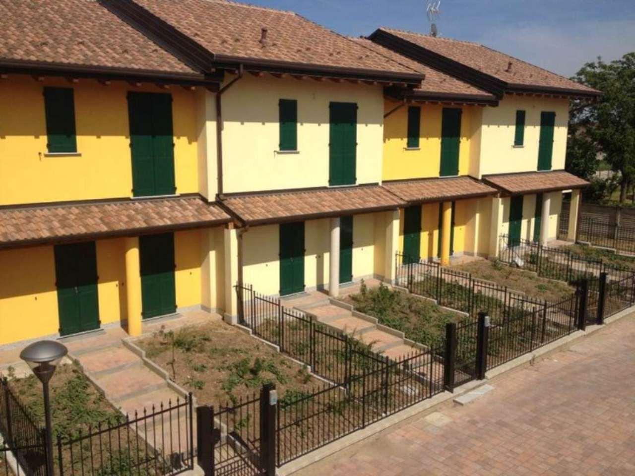 Villa a Schiera in affitto a Cornaredo, 4 locali, prezzo € 1.300 | Cambio Casa.it
